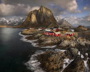 Temasek Photo Circuit Merit Award - Yury Pustovoy (Russian Federation) <br /> Fishing Village, Norway