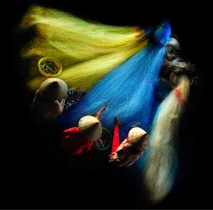 Temasek Photo Circuit Merit Award - Do Hieu Liem (Vietnam) <br /> Nets Sewing