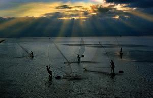Temasek Photo Circuit Merit Award - Do Hieu Liem (Vietnam) <br /> New Day At Sea