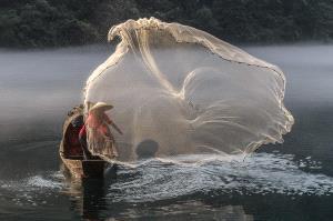 Temasek Photo Circuit Bronze Medal - Ka Chon Chiang (Macau)  Throwing A Fish Net