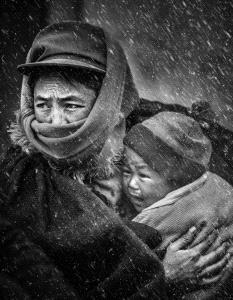 Temasek Photo Circuit Gold Medal - Yuejia Huang (China) <br /> In Mom's Arm