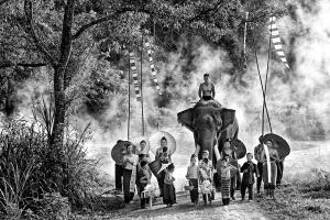 Temasek Photo Circuit Merit Award - Foo Say Boon (Malaysia) <br /> On The Way
