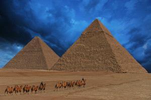 Temasek Photo Circuit Gold Medal - Jiashun Feng (China) <br /> pyramid of night