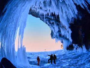 Temasek Photo Circuit Merit Award - Jiashun Feng (China) <br /> Explore In Ice Cave