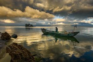 IUP Honor Mention - Min Tan (Malaysia)  Erhai Lake