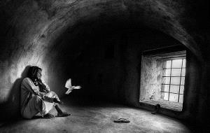 Temasek Photo Circuit Gold Medal - Abdulla Al-Mushaifri (Qatar) <br /> Take Me Home Bw