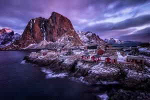 PhotoVivo Honor Mention - Joyce Guojun Ma (USA)  Hamnoy
